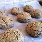 Fiberrige grovboller uden mel - opskrift på fiberrige, glutenfrie grovboller uden mel