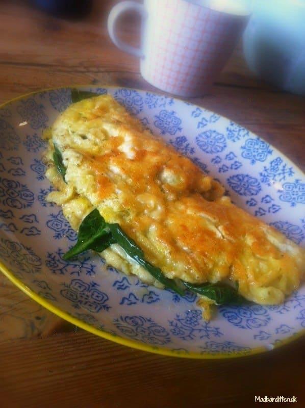 Omelet med sprød ost - LCHF