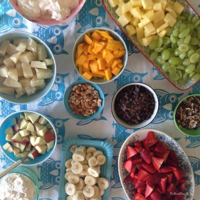 Abemad - frugtsalat med flødeskum
