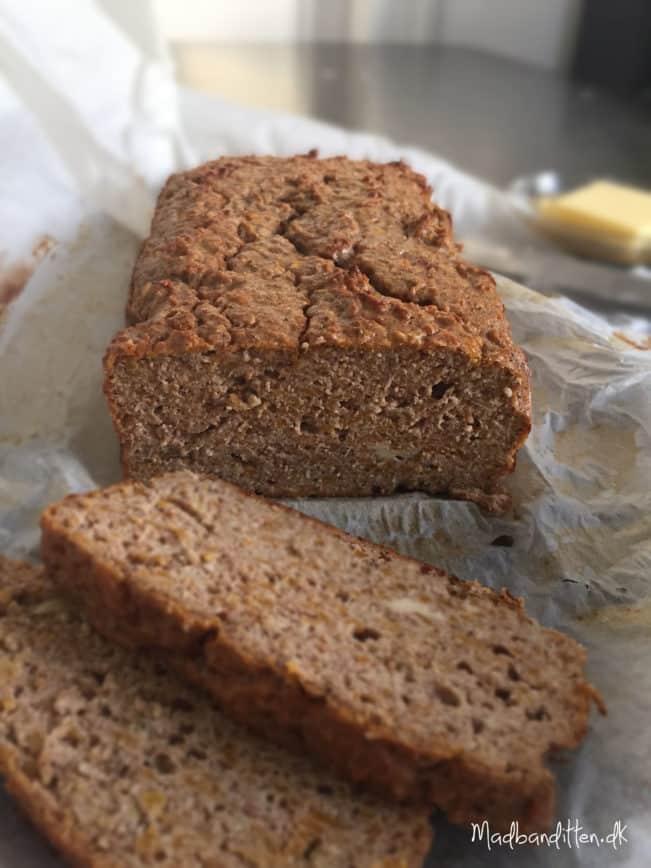Butternut-brød - Sødt græskarbrød med julekrydderier - glutenfrit og LCHF