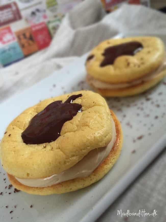 Low carb fastelavnsboller med mokkacreme - uden sukker, gluten og kornprodukter --> madbanditten.dk