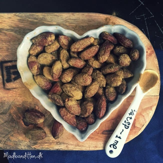 Sundere snack: Søde lakridsmandler --> madbanditten.dk