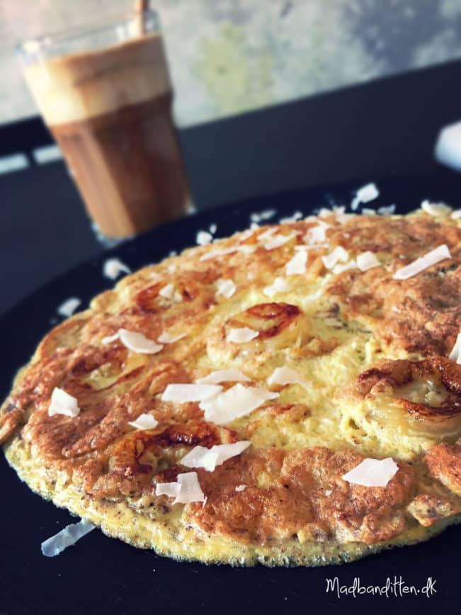 Mejerifri morgenmad: Banan-omelet med kokoskaffe --> madbanditten.dk