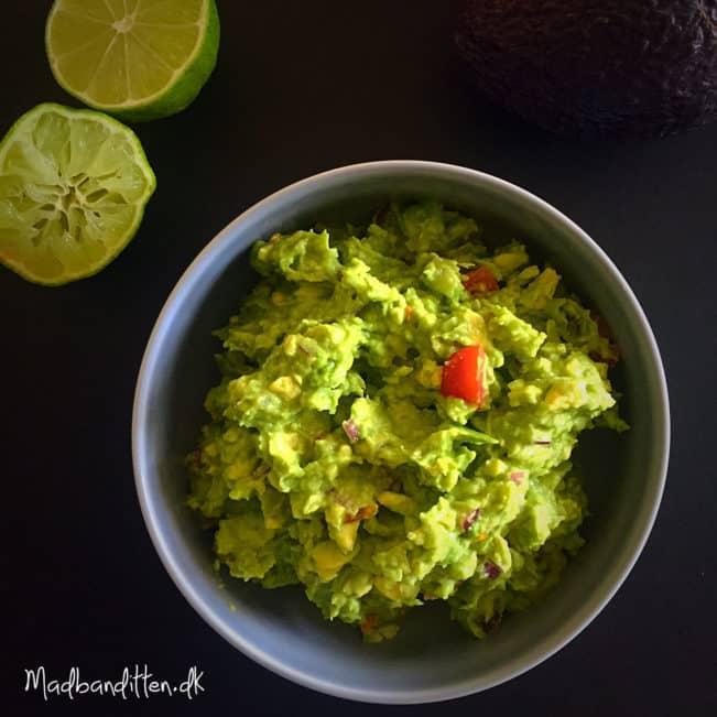 Min bedste opskrift på guacamole --> madbanditten.dk