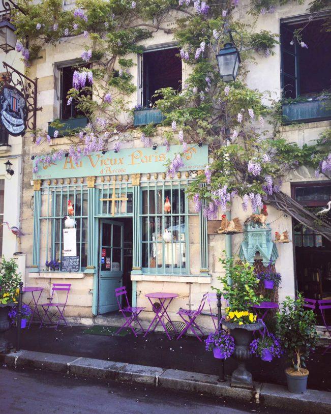 Au Vieux Paris d'Arcole - Paris smukkeste restaurantfacade og en af Paris' ældste restauranter.