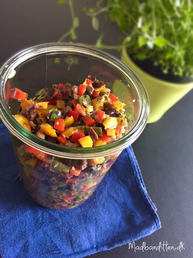 Peberfrugtsalsa med oliven og timian --> Madbanditten.dk