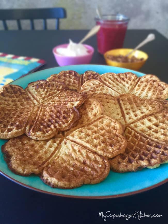 High protein waffles - glutenfree, grain free and sugarfree. Recipe here: MyCopenhagenKitchen.com