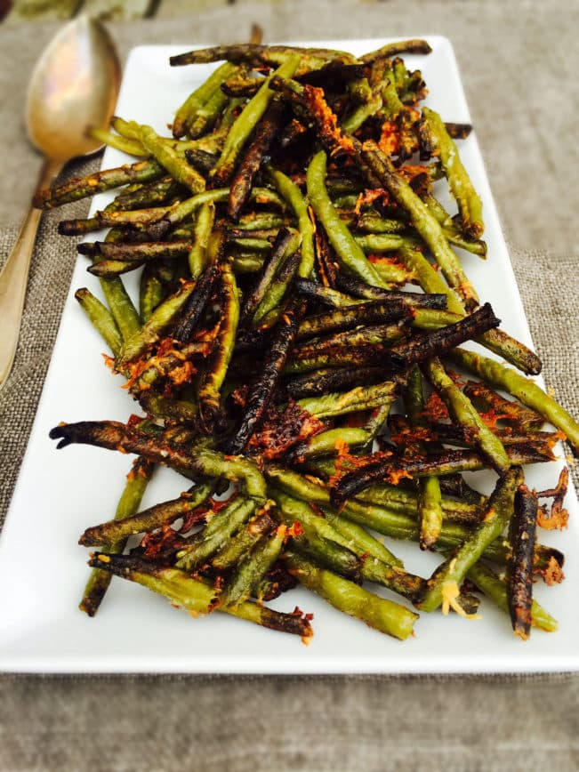 Crispy green bean fries with parmesan - easy recipe --> MyCopenhagenKitchen.com