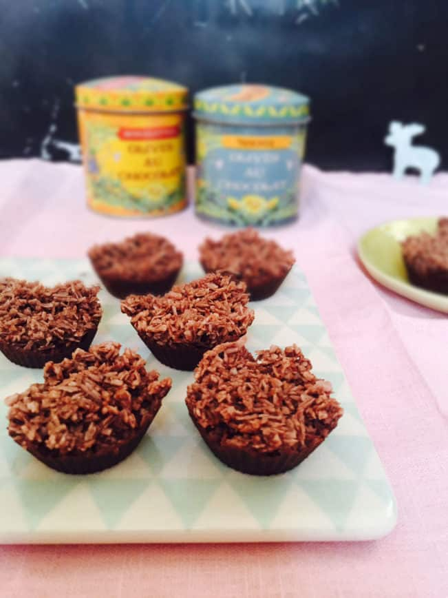 Mini choco-coconut cups - a LCHF/keto Christmas treat - recipe: MyCopenhagenKitchen.com