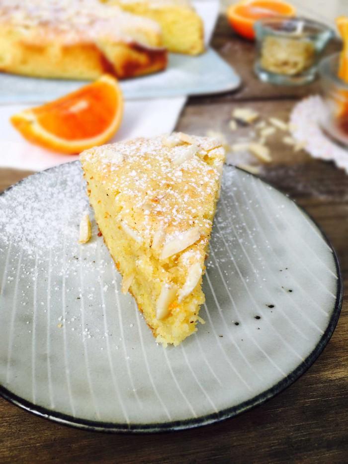 Appelsin-mandelkage - den absolut mest velykkede low carb kage, jeg har lavet. Perfekt luftig konsistens. Glutenfri og sukkerfri opskrift her: Madbanditten.dk