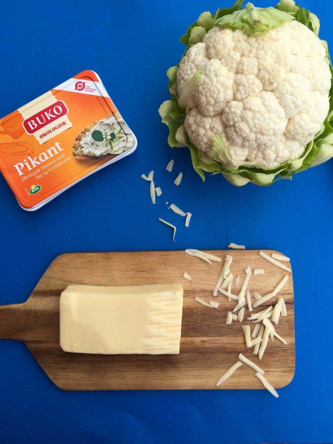 Bagt blomkålsmos med sprød ost på toppen. Denne bløde og cremede blomkålsmos med lækker urtesmag og med sprød ost på toppen vinder alles hjerter. Lavet med Pikant-ost - SÅ lækkert! Nem opskrift her - kun 3 ingredienser! --> Madbanditten.dk
