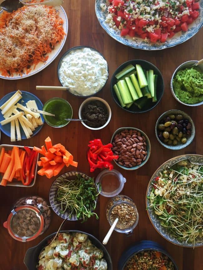 Inspiration og idéer til en lækker buffet, når du skal lave mad til mange gæster