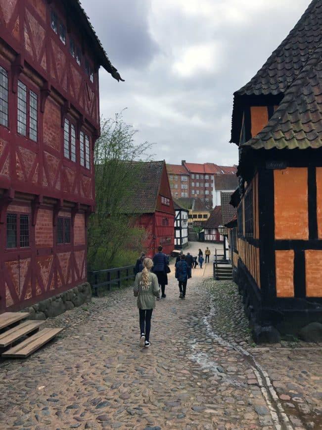 Turist i Aarhus - Den Gamle By i Aarhus - rigtig spændende og lærerigt for både voksne og børn