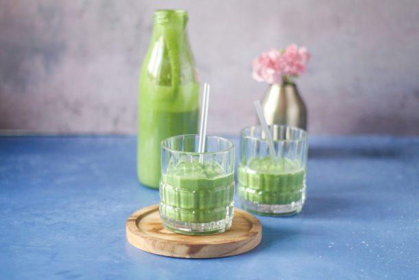gr n smoothie med avocado opskrift p low carb smoothie uden frugt. Black Bedroom Furniture Sets. Home Design Ideas