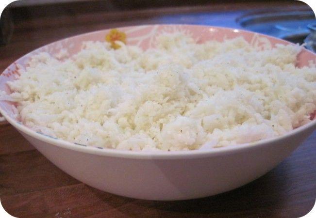 Blomkålsris - perfekt erstatning for ris på LCHF --> Madbanditten.dk