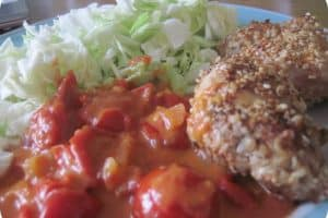 Sesamkylling med spicy tomatsovs