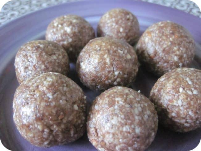 Brunkagekugler - dadelkugler med smag af brunkager