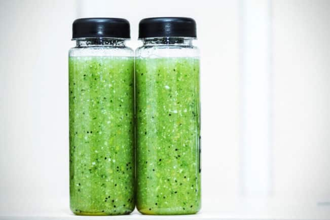 Grønne superfoods: Spirulina, Chlorella, byggræs og hvedegræs. Læs om dem her: