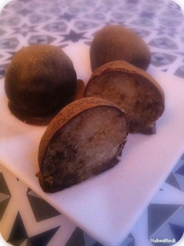 marcipan med lakrids og chokolade - sukkerfri og LCHF