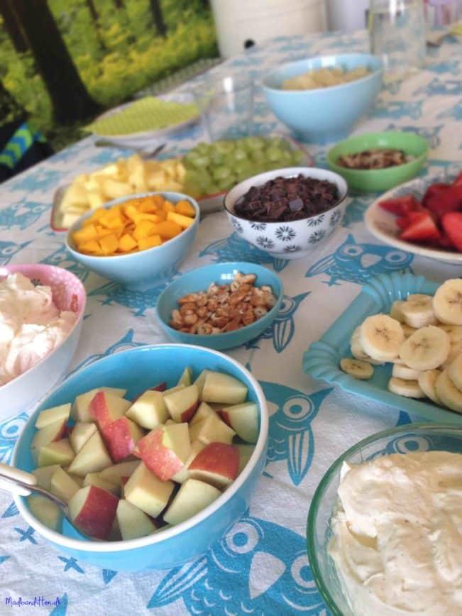 FRUGT OG LCHF Abemad - frugtsalat med flødeskum