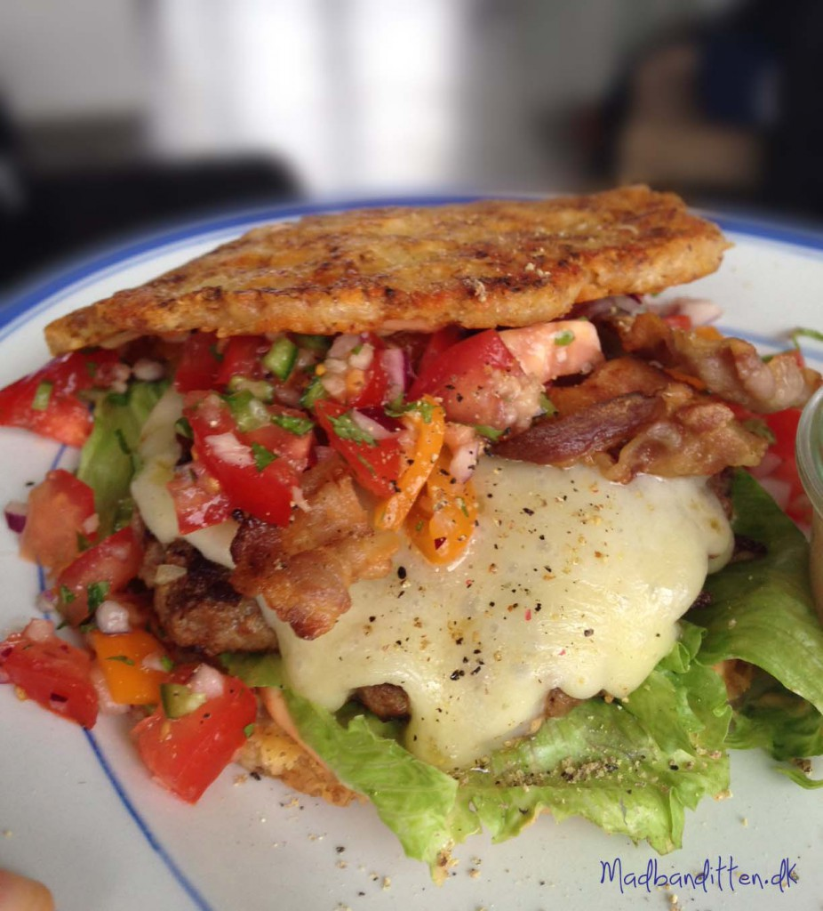 Triple cheeseburger - LCHF-style