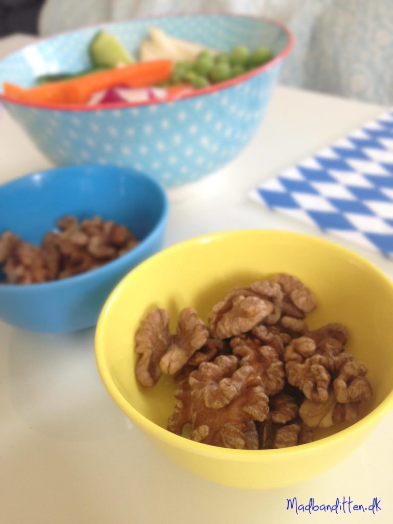 Snack: Udblødte valnødder