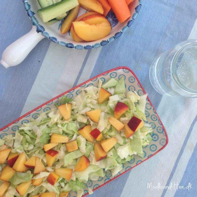 Sommersalat med citron og fersken