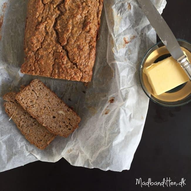 Butternut-brød. Sødt græskarbrød med julekrydderier - glutenfrit og LCHF