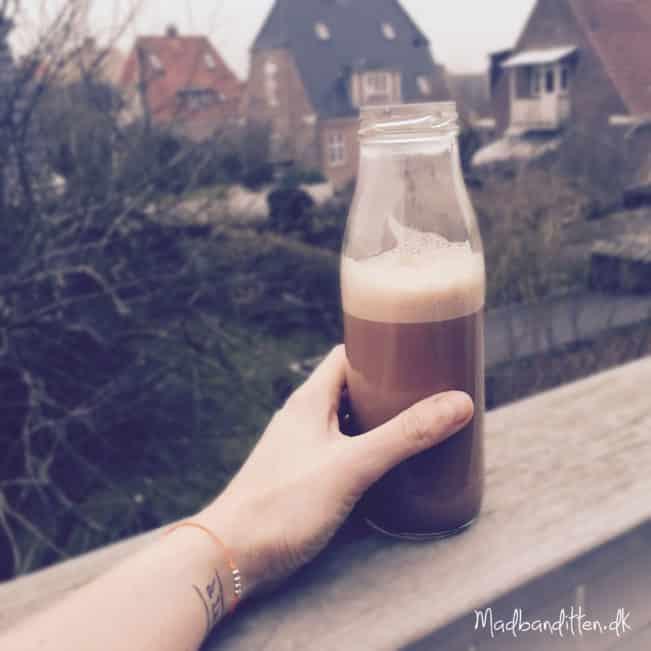 Kakaodrik med få kulhydrater --> madbanditten.dk