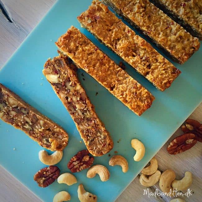 Peanutbutterbarer - nøddebarer - uden tørret frugt --> madbanditten.dk