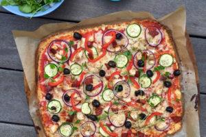 Sprød blomkålspizza