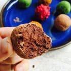 Orange-chokoladetrøfler med avokado og regnbuedrys --> Madbanditten.dk