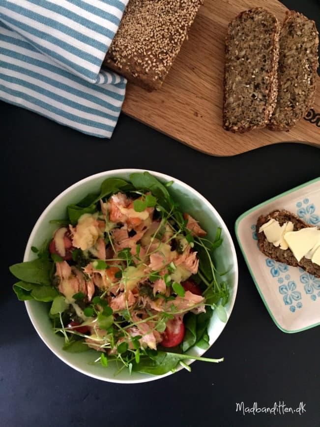 Salat med varmrøget laks --> Madbanditten,dk