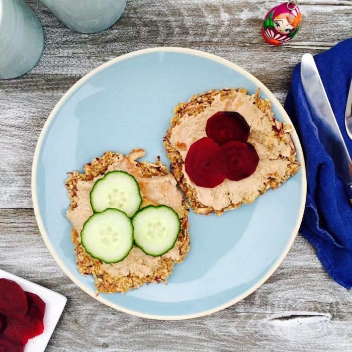 Old school frokost: Leverpostejmad med råsyltede rødbeder --> Madbanditten.dk