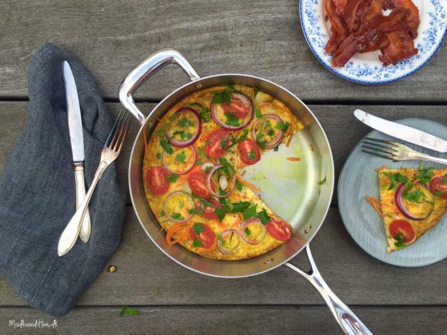 Nem og lækker omelet fyldt med grøntsager --> Madbanditten.dk