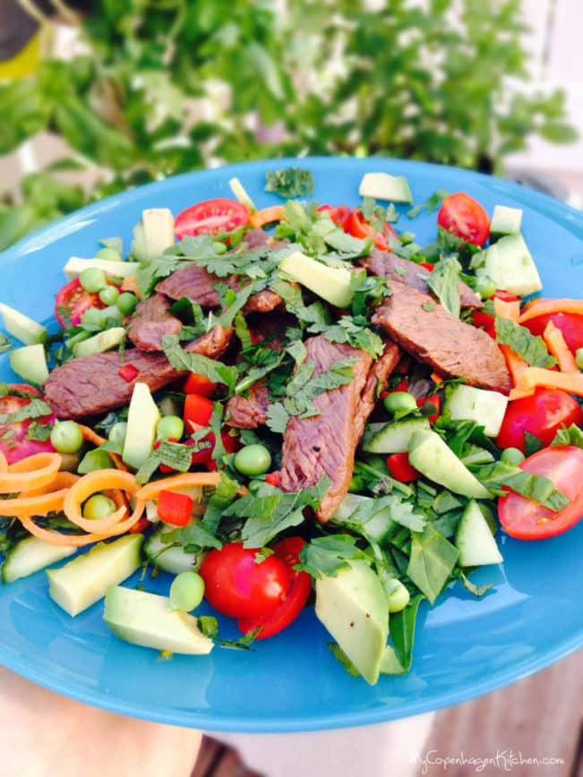 Thai Beef Salad - healthy fastfood - delicious and easy recipe --> MyCopenhagenKitchen.com