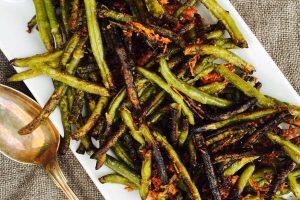 Sprøde bønnefritter med parmesan --> Madbanditten.dk