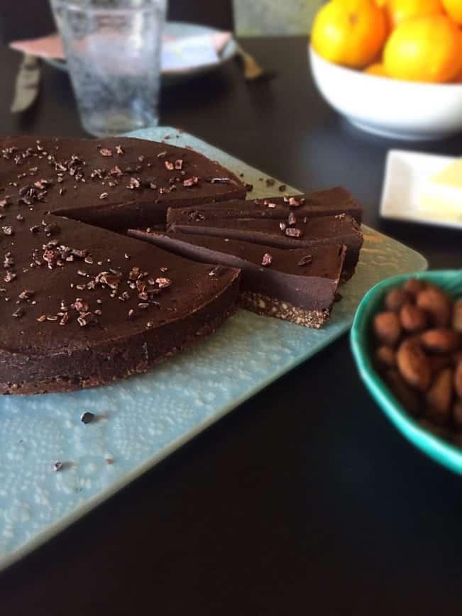 Raw chokoladekage - helt naturlig --> Madbanditten.dk