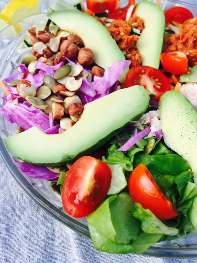 Rainbow salad with tuna and roasted hazelnuts - delicious recipe right here: MyCopenhagenKitchen.com
