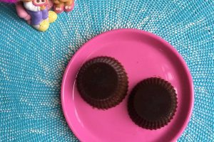 Little life savers - sugar free chocolates. So filling and satisfying. Impossible to overindulge. LCHF, paleo, low carb --> MyCopenhagenKitchen.com