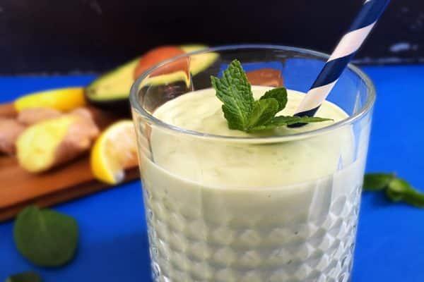 Avokado-smoothie med citron og ingefær - Low carb/LCHF/paleo - uden frugt! --> Madbanditten.dk