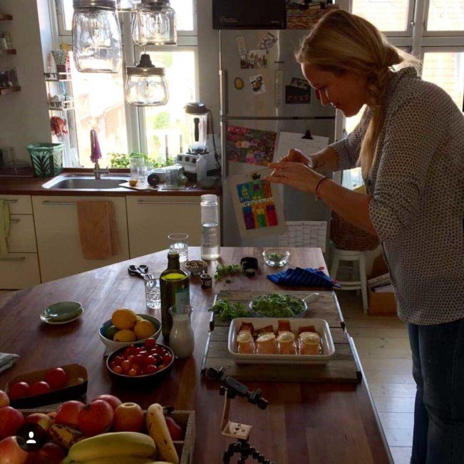 Jane i køkkenet - MADGLAD