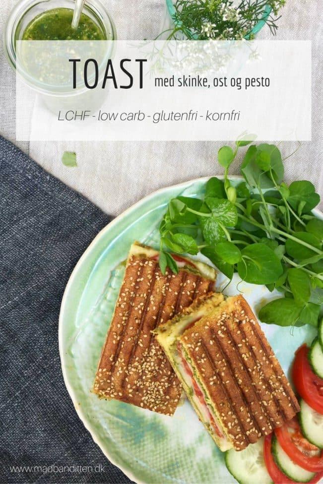 LCHF toast med skinke, ost og pesto. Glutenfri og kornfri. Ingen mavepine. Nem opskrift her: