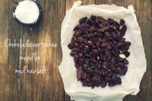 Mandler med chokolade og havsalt - Chokoladeovertrukne mandler med havsalt - lækker og sund snack. Opskrift her: