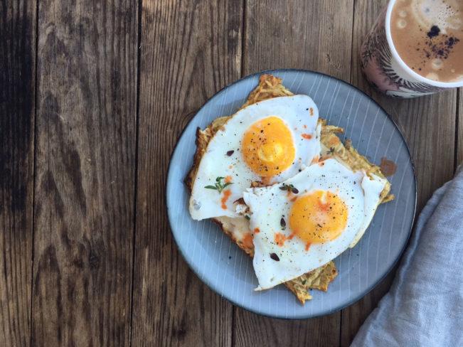 Spejlæg på rodfrugt-røsti -lækker, nem og sund morgenmad