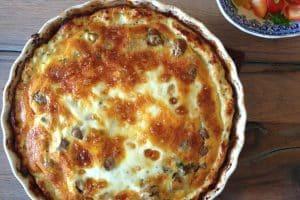Low carb tærte med kylling - Kyllingetærte med svampefyld - low carb/LCHF tærte med tærtebund lavet af kylling.