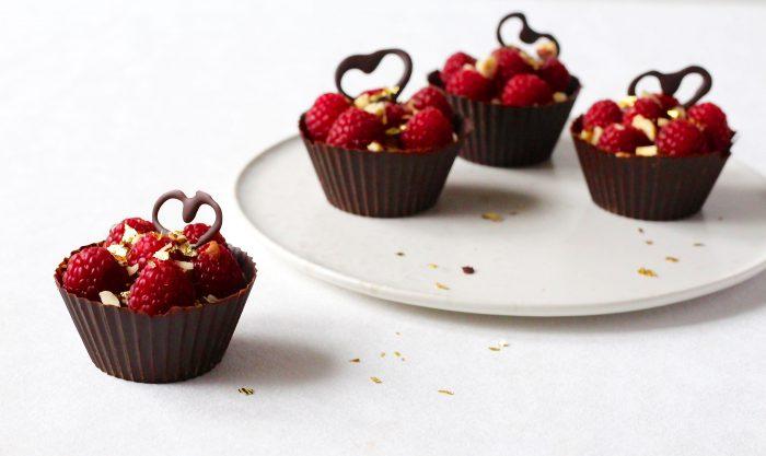 Chokoladeskaller med chokolademousse - opskrift på den perfekt Valentins dessert