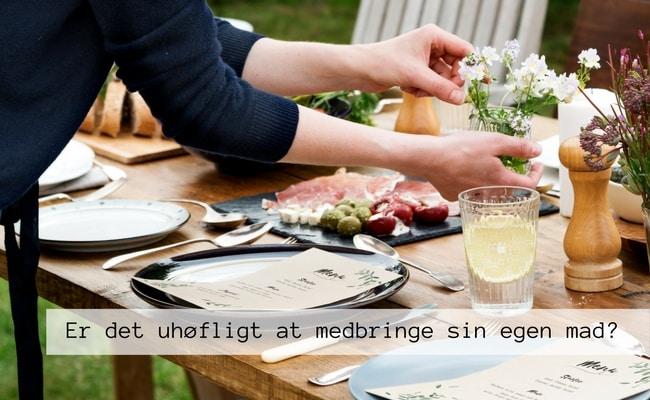Er det uhøfligt at tage sin egen mad med, hvis man skal på besøg hos andre?
