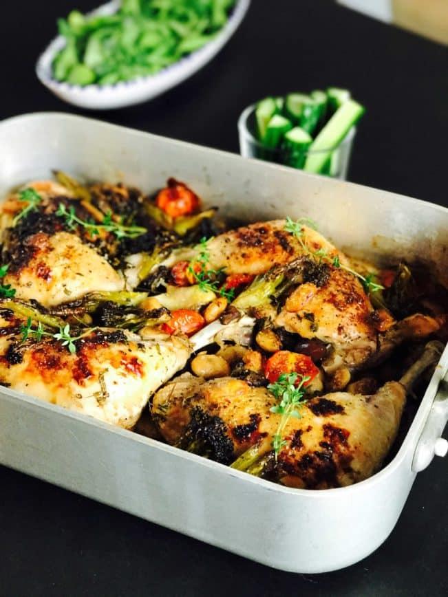 Alt i et fad med kylling, bønner og grøntsager