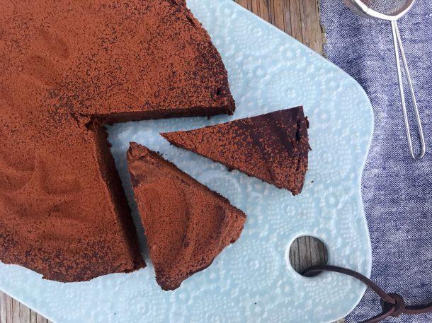 Bedste bønnebrownie - opskrift på den bedste brownie med bønner. Svampet og lækker. Glutenfri, sukkerfri, melfri og mælkefri